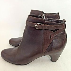 Stuart Weitzman Maddox 7M Brown Leather Booties
